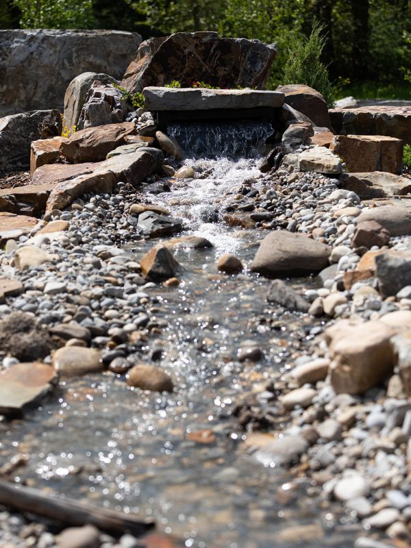 Valley View Contracting Site - Modern landscaping